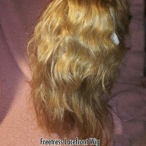 FREETRESS Lacefront Wig